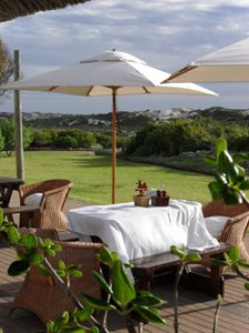 Image of a terrace table at Draaihoek Lodge Restaurant